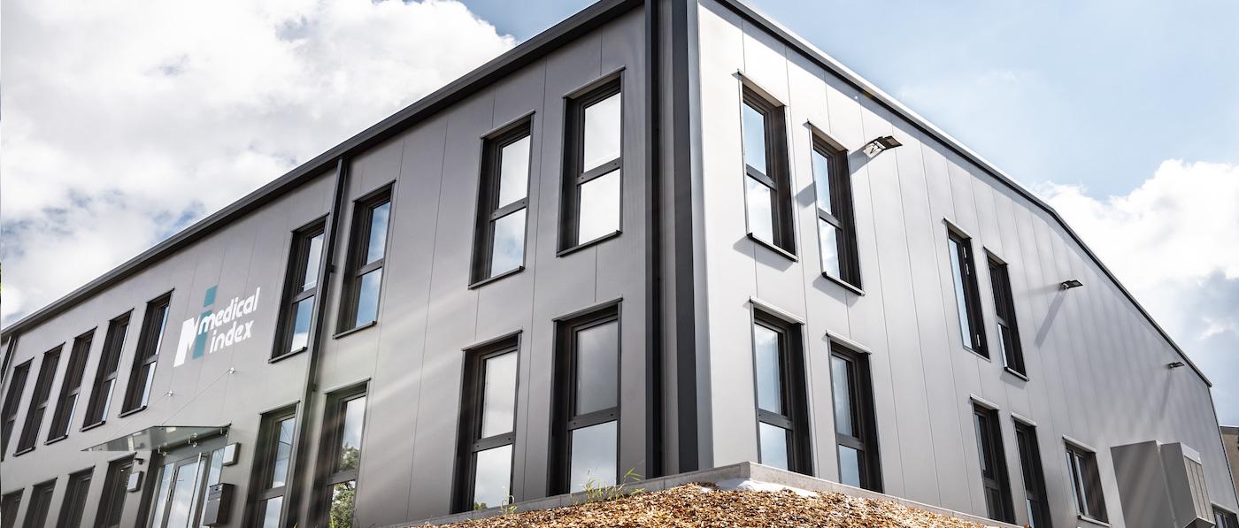 <p>Sie suchen eine Lösung für Ihr Raumproblem? Stahlhallen von Syflex Hallenbau sind besonders wirtschaftlich, flexibel, individuell und hochwertig. Ob Lagerhalle, Produktionshalle, Ausstellungshalle, Logistikhalle, Montagehalle –unsere Stahlhallen sind für ein breites Einsatzspektrum geeignet.</p>
